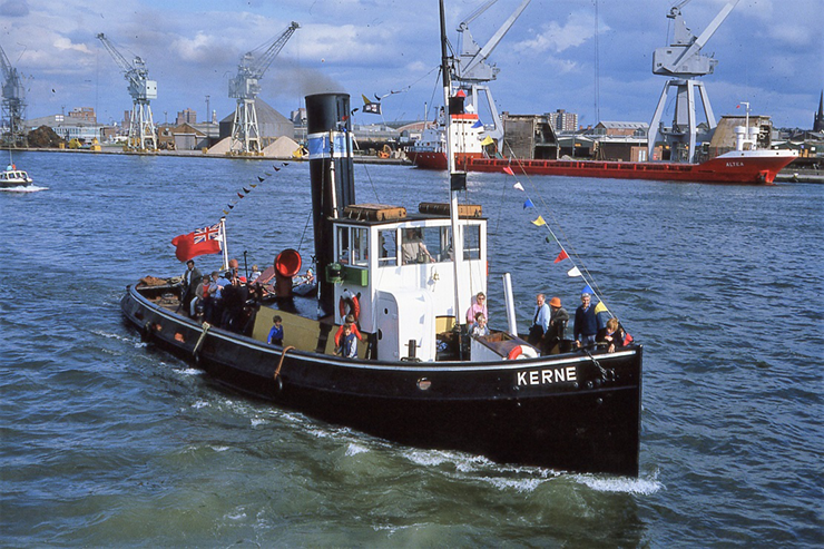 The-Steam-Tug-Kerne-at-the-Birkenhead-River-Festival